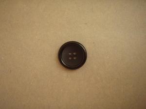 Knapp 4-håls 23mm fg. Svart